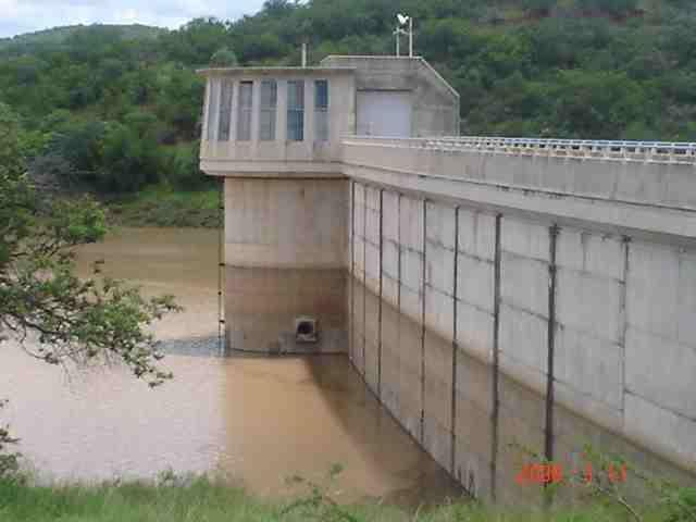 Upper ncema dam zimbabwe for Mirror zimbabwe